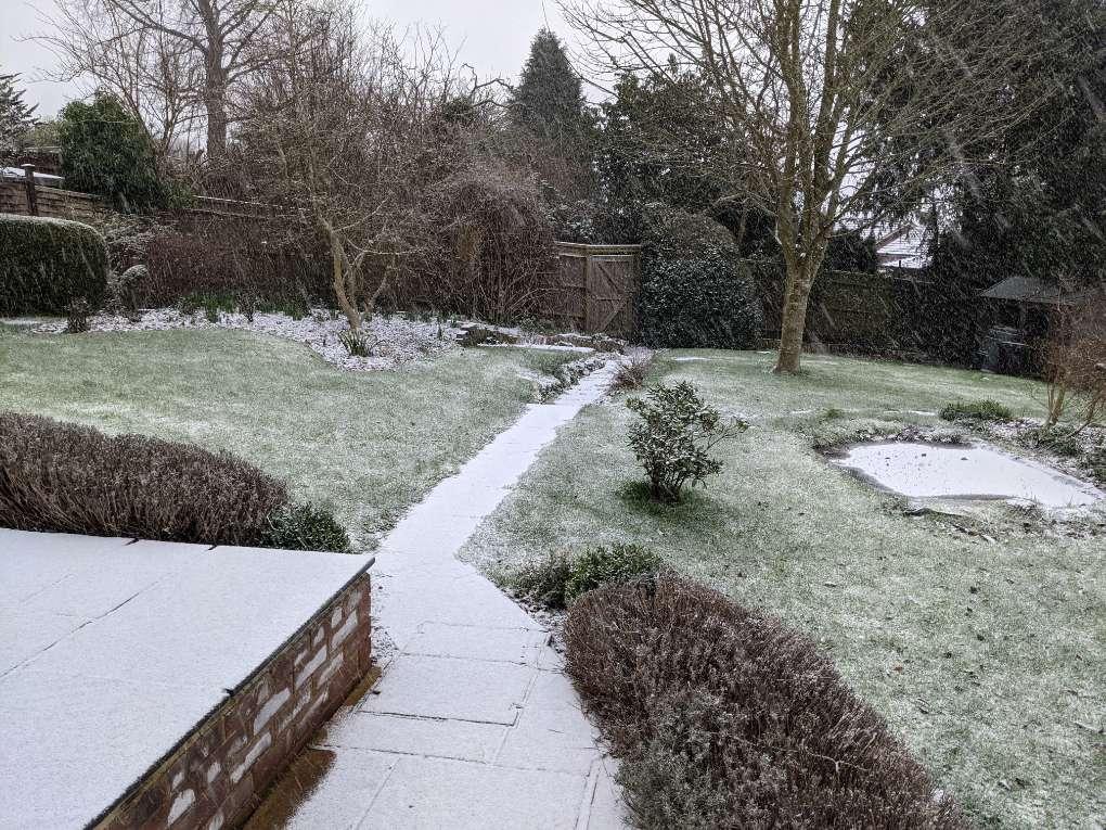 Snow accumulating Berkhamsted, Herts,, sent by brian gaze