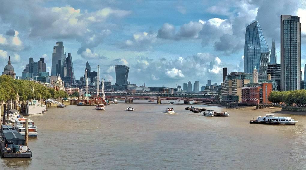 View from Waterloo Bridge today Richmond, london,UK, sent by lanky